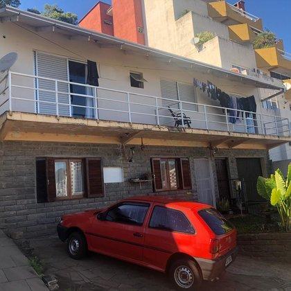 Vende-se casa na Travessa Cechetti