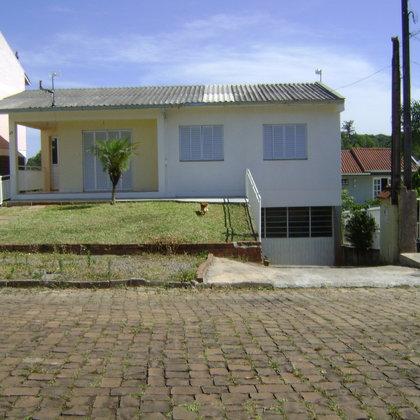 Ótima casa com 3 Dormitórios no Colinas - Bairro Borges de Medeiros