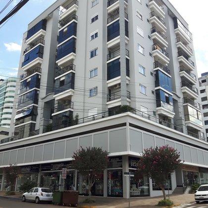 Vende-se apartamento com 3 dormitórios | Centro