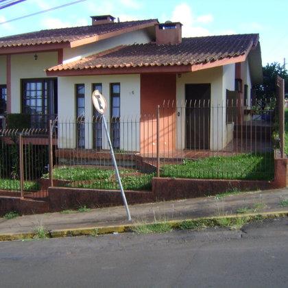 Vende-se Ótima Casa próximo ao HCR